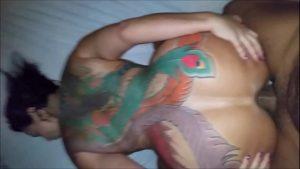 Image Casada safada dando o cú no porno de quatro