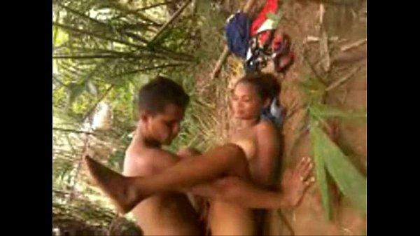 Casal do Maranhão fudendo gostoso no mato