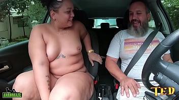 Gordinha mamou e babou na rola do negão