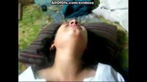 Image Indiana mostrando sua deliciosa buceta