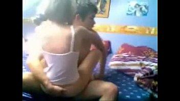 Câmera filmou a foda de sexo da novinha