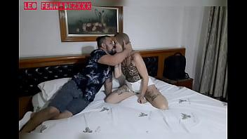 Comeu a bundinha deliciosa da novinha porn