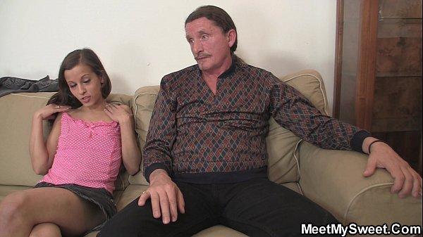 Flagrante de sexo de mãe, pai e filha