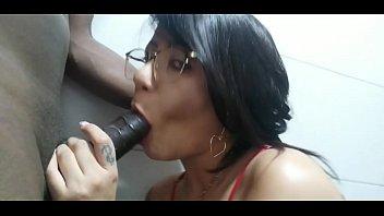 Brasileirinha gostosa trepando no video porno