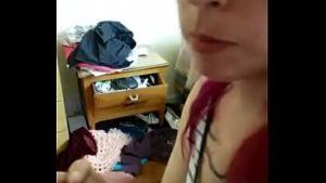 Image Prima novinha pagando boquete e sentando na pica