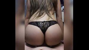 Image Videos de sexo com novinha Renatinha que caiu na net sentando na pica