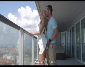 Image Xvídeos HD 2019 com novinha gostosa fudendo no cuzinho