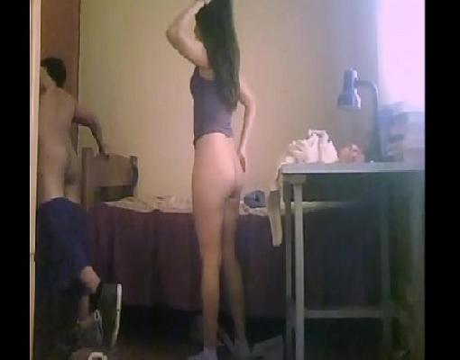 Videos pprno novinha pelada sentando na pica dura do namorado