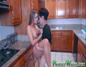 Image Xvidoes novinha gostosa fazendo belo sexo com jovem na cozinha