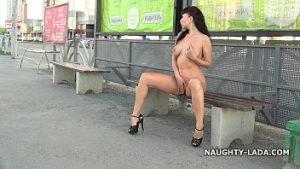 Image Novinha mandou video nudes para amiga e caiu na net