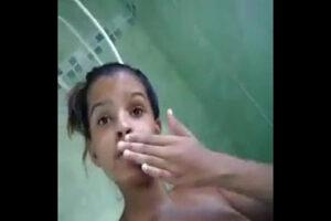 Image Porno proibido da novinha gostosa pelada se masturbando