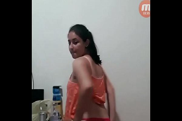 Caiunanet esposa novinha tirando a roupa