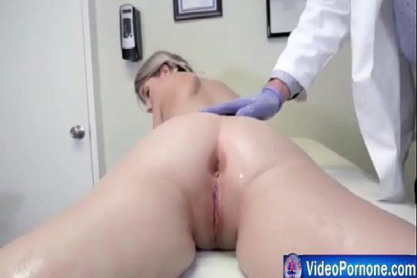 Videos Pormo doutor abusando do cu da novinha