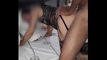 Chorando de dor no sexo anal