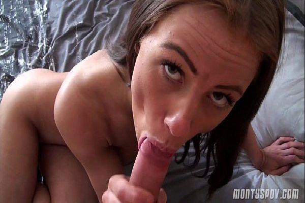 Video porno novinha de 17 fudendo perdendo virgindade