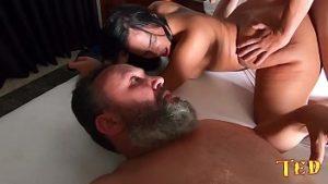 Image Filme pornô com novinha brasileirinha caiu na net